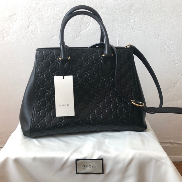 Gucci Bags   Signature Large Top Handle Bag   Poshmark 3761af87eec